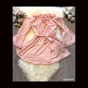 NWOT Brand NEW Beautiful dainty Dress! 💓💗